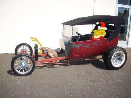 christmas-santa-t-bucket-hot-rod-roadster-6a