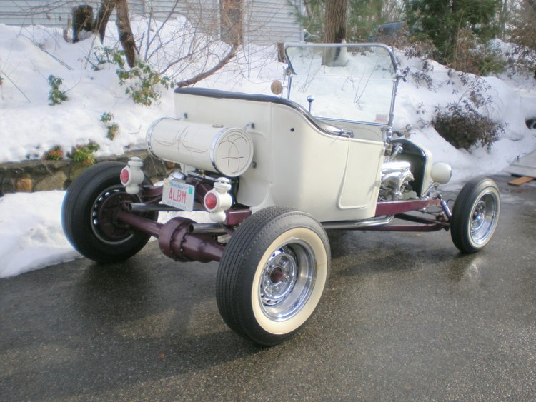 Fred Steele Roadster T-Bucket owned by Bob Collins