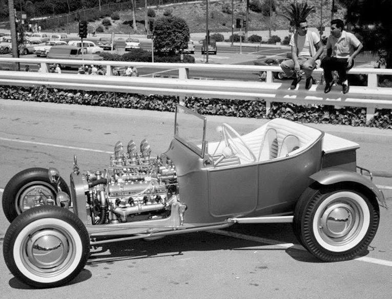 Buzz Pitzen T-Bucket LA Roadsters show 1960