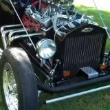 T-Bucket roadster with upholstered front axle