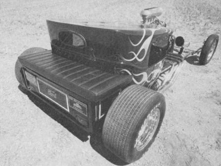 Scott Ellis Low Blow 1923 Ford T-Bucket Hot Rod with Hemi Engine