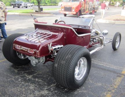 Mike Reynolds Supercharged Chevy T-Bucket at T-Bucket Nationals