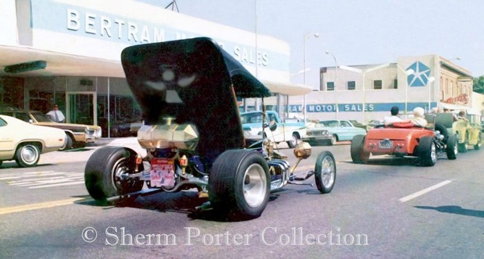 Leg Show at the September, 1970 Visalia Roadster Roundup: Photo by Sherm Porter