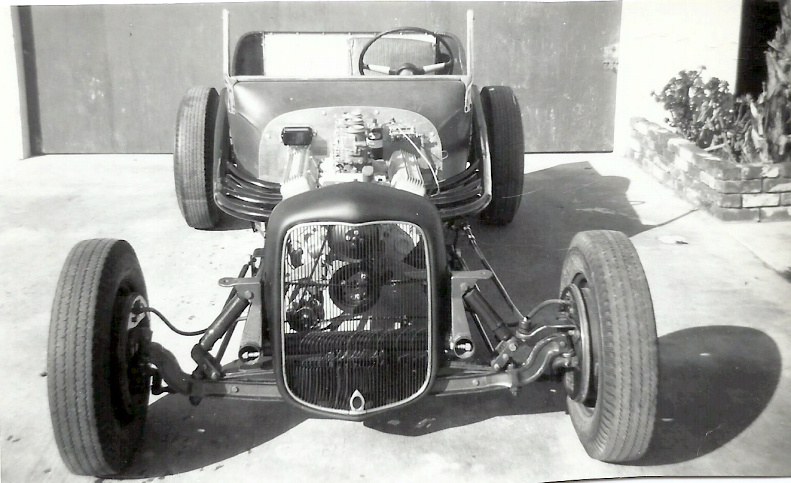Don Brusseau T-Bucket 1958 under construction