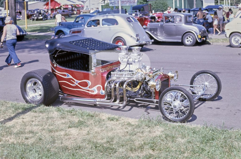Don Kendall T-Bucket at 1974 NSRA