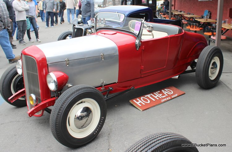 Louis Stands T-Bucket Roadster Show 2016