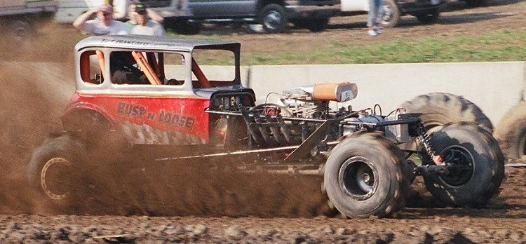 Bust N Loose mud racing Speedway Motors Vicky modified body