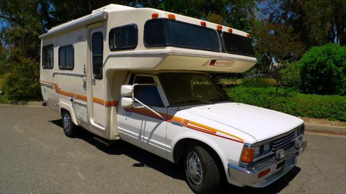 1985 Nissan Sunrader